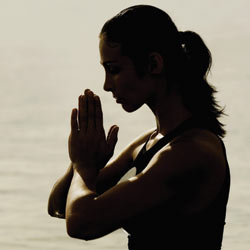 meditate_woman_water